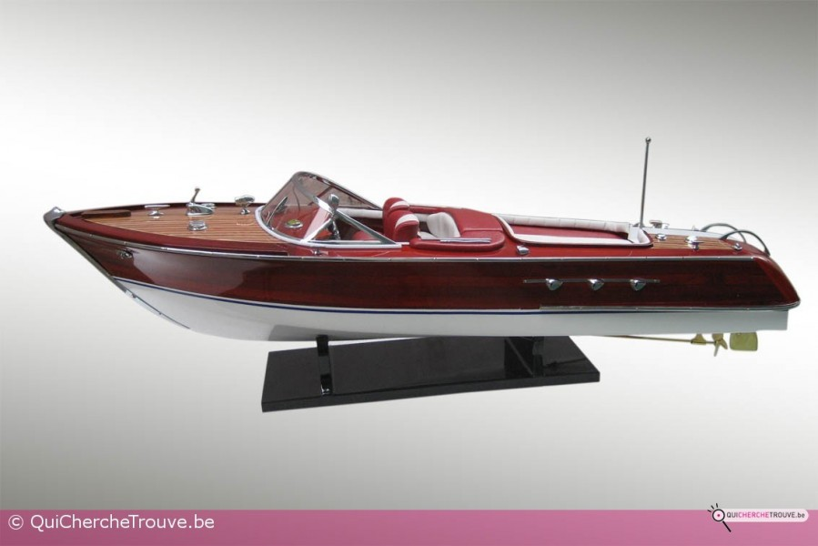 a vendre maquette bateau riva aquarama rouge. Black Bedroom Furniture Sets. Home Design Ideas